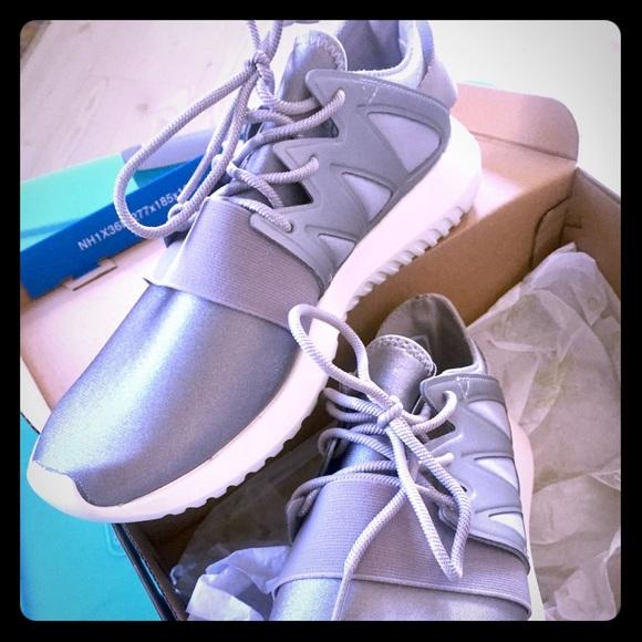 le adidas pennino tubolare metallico, scarpe da ginnastica poshmark virale w 75
